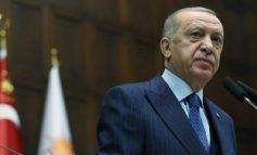 """""""KËTO LEVIZJE...""""/ Kritikët e Erdoganit: Kërkesa për dëbimin e diplomatëve, shpërqendrim nga problemet e..."""
