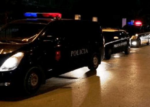 """PLAGOSJA TE """"KOMUNA E PARISIT""""/ Policia jep DETAJET: 22-vjeçari u qëllua me armë zjarri brenda mjetit të tij"""