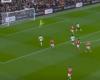 I MJAFTOJNË 5 MINUTA LOJË/ Pas një asist nga Salah, Keita ndëshkon Manchester United (VIDEO)