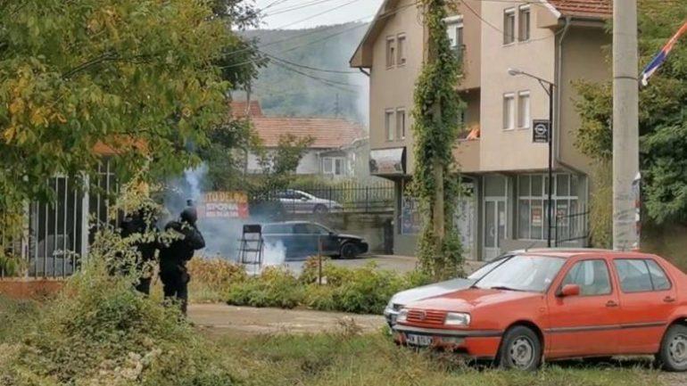 TENSIONET NË VERI TË KOSOVËS/ Reagon BE: Të ndalen menjëherë incidentet e dhunshme
