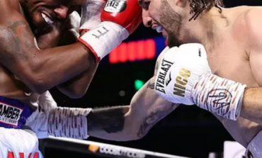 """NË GJURMËT E IKONËS/ Nipi i Muhamed Alisë fiton me """"KO"""" ndaj Westley në raundin e tretë (VIDEO)"""